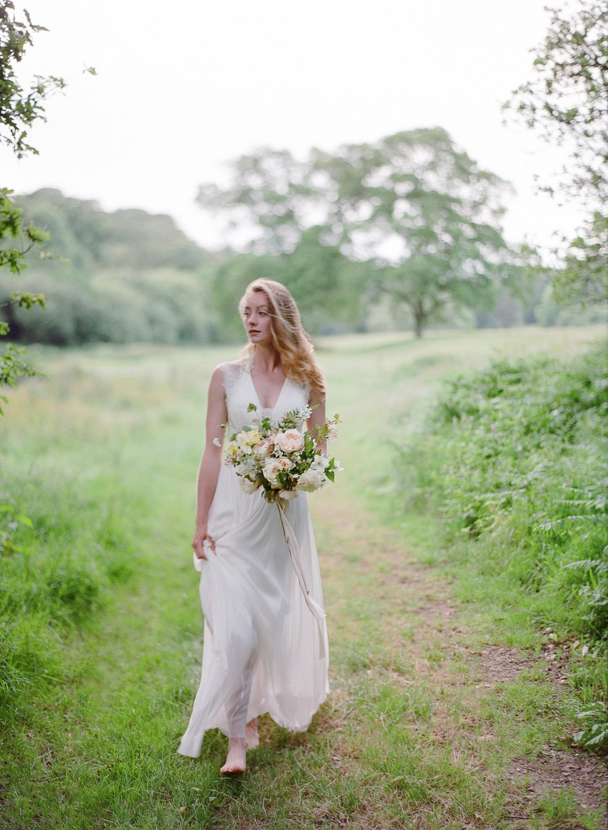 Outdoor English Country Garden Elopement Ideas