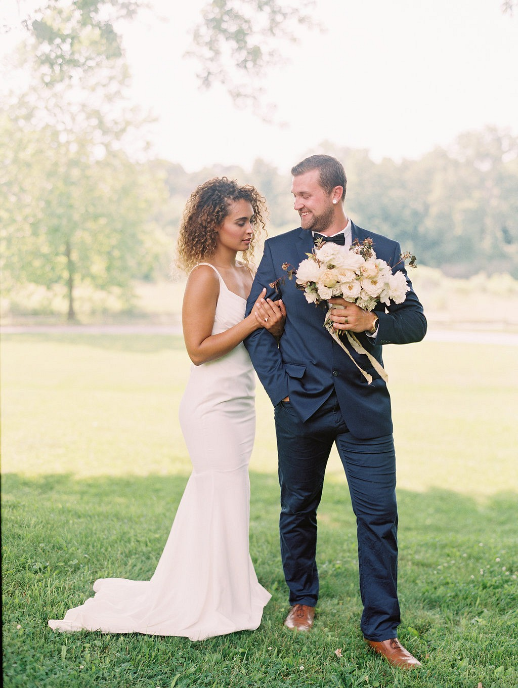 Effortless Bridal Style for a Virginia Outdoor Wedding