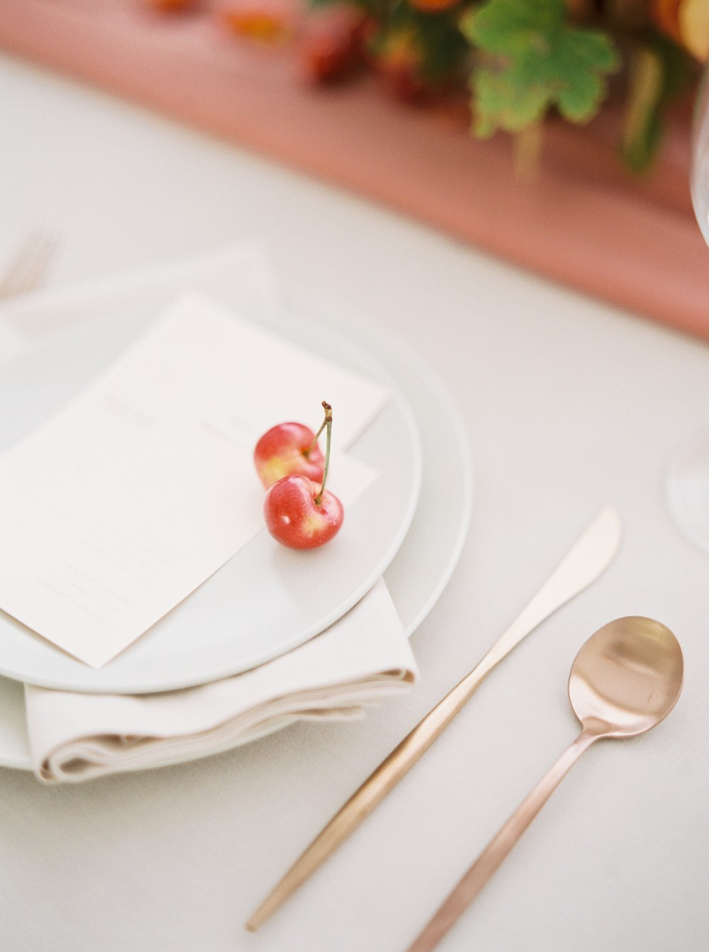 Minimalist Fall Inspiration for the Modern Bride
