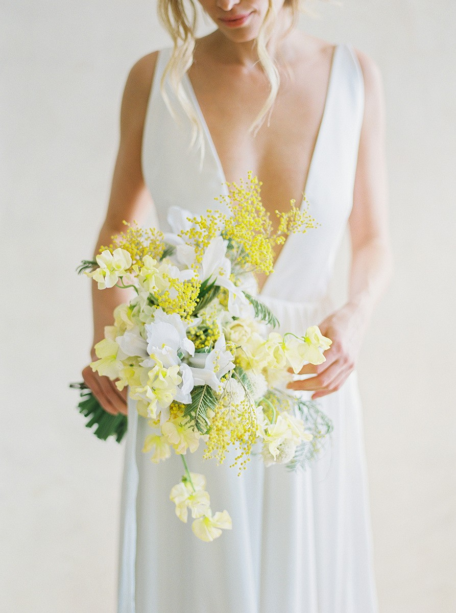 Romantic Spring Wedding Bouquet Ideas | Wedding Sparrow fine art wedding blog