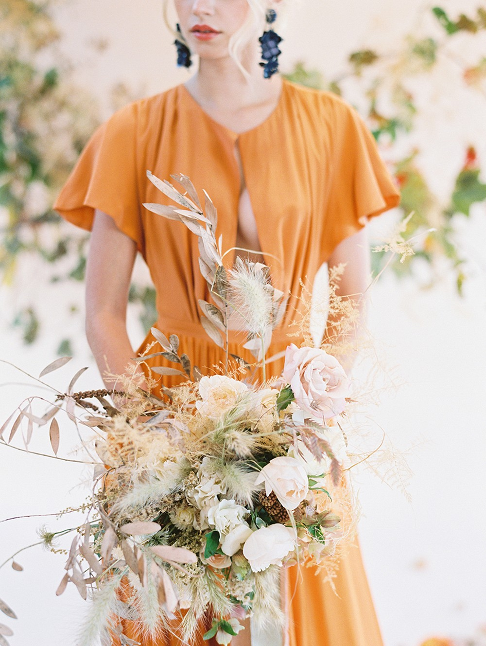 Contemporary Gold and Amber Wedding Inspiration
