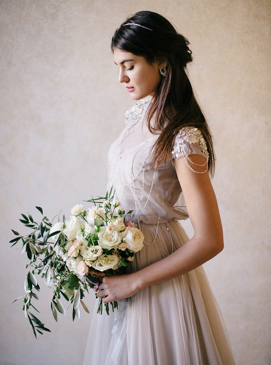 Italian Elopement and a Vintage Getaway Car by Nastia Vesna | Wedding Sparrow | wedding blog