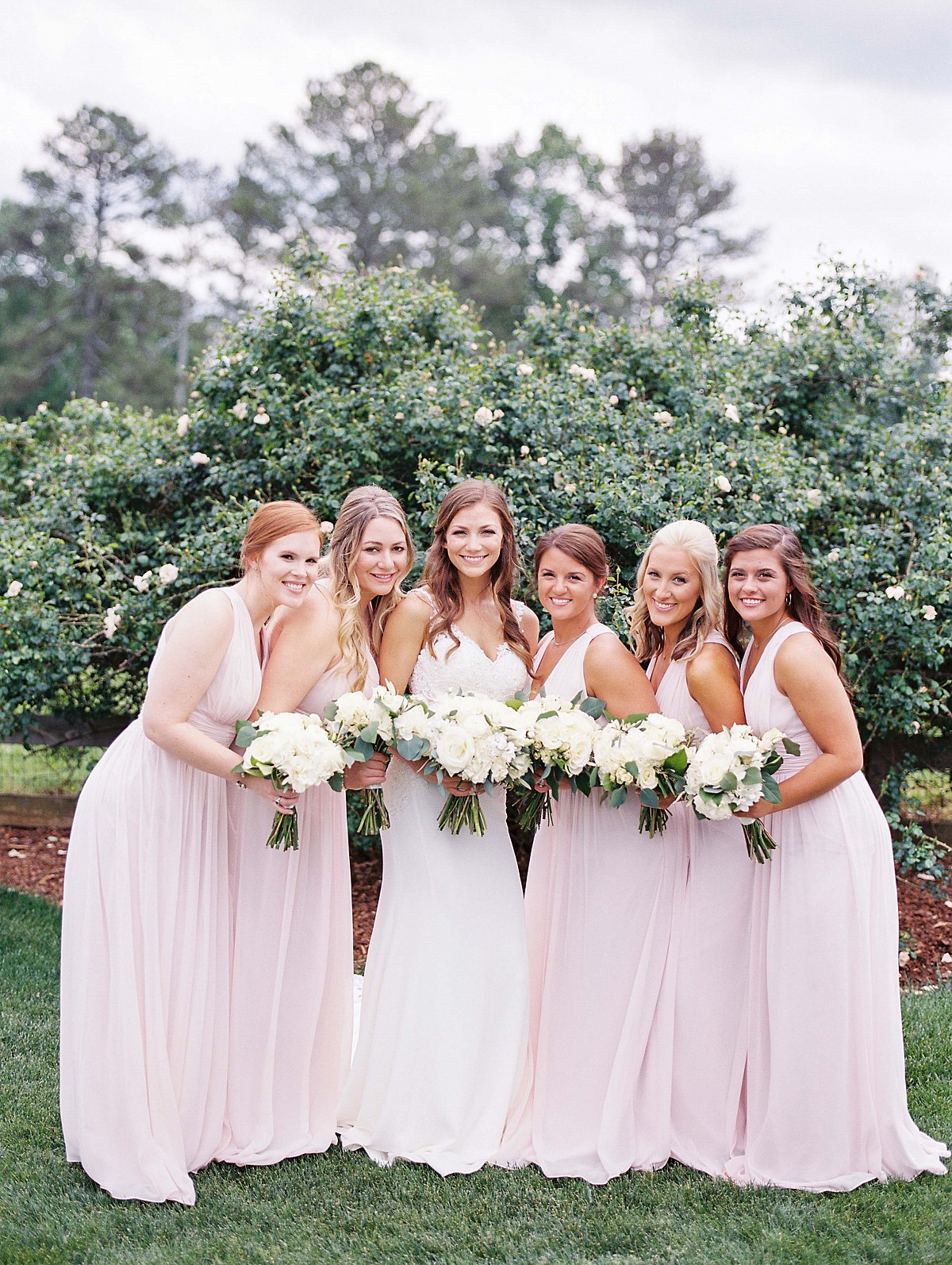 Jessica and Andrew's Effortlessly Beautiful and Stormy Wedding