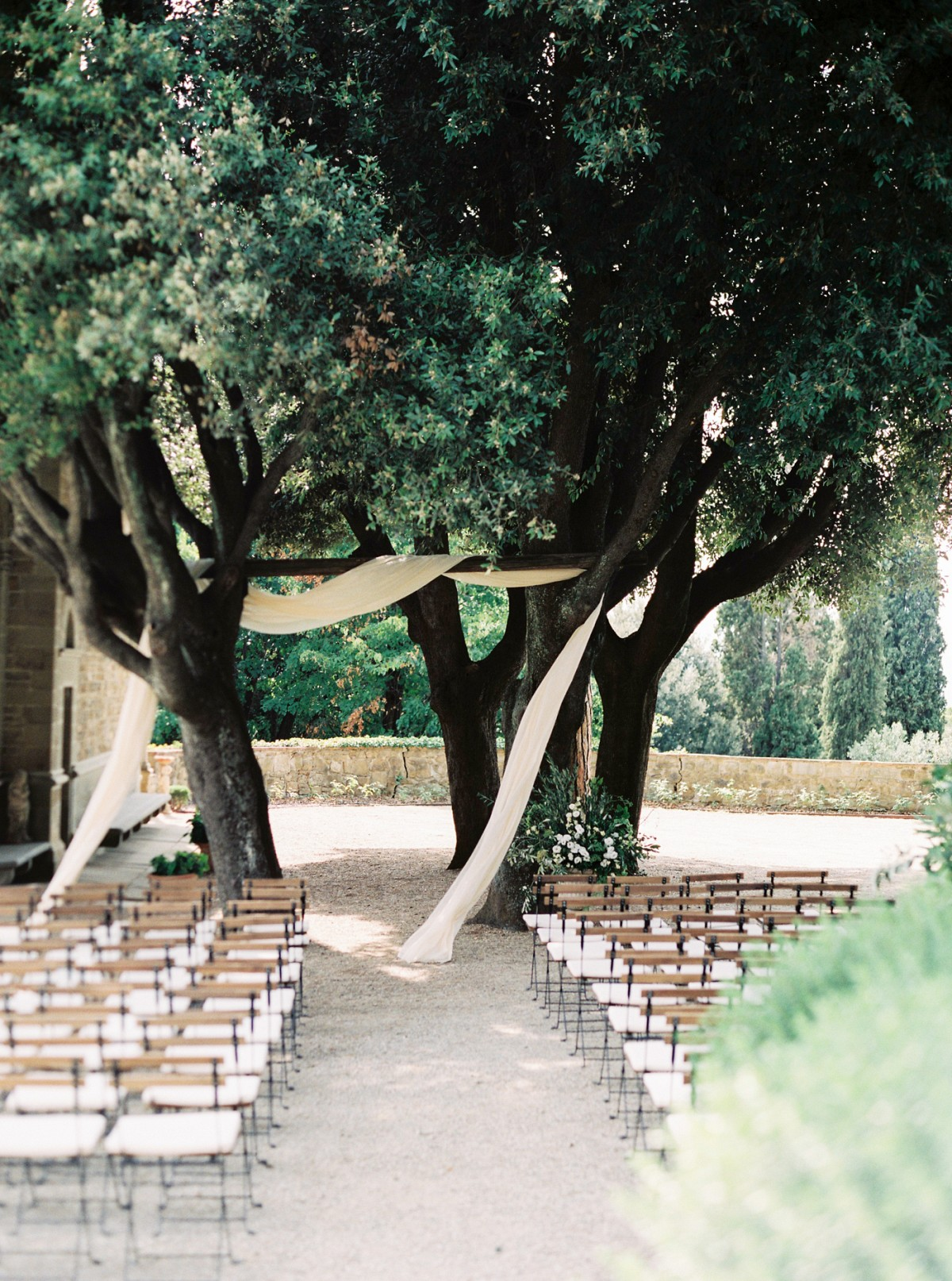 How to have a Family Style Tuscan Destination Wedding