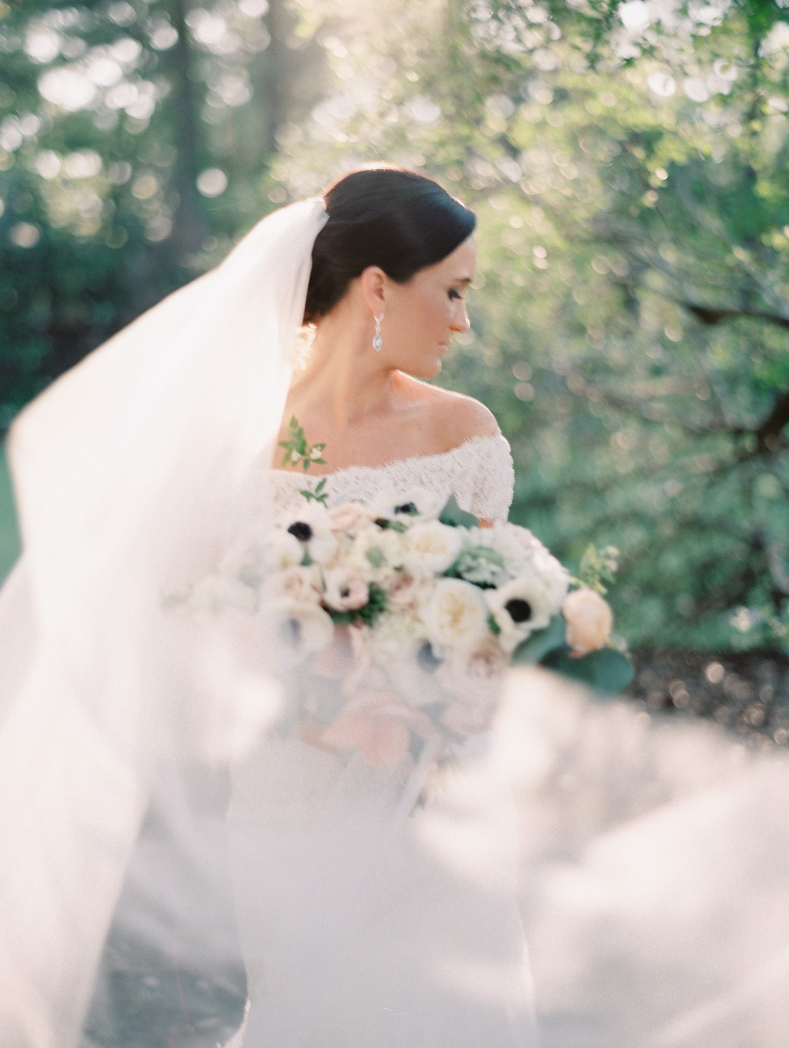 Ellen and Preston's Timeless Outdoor Wedding