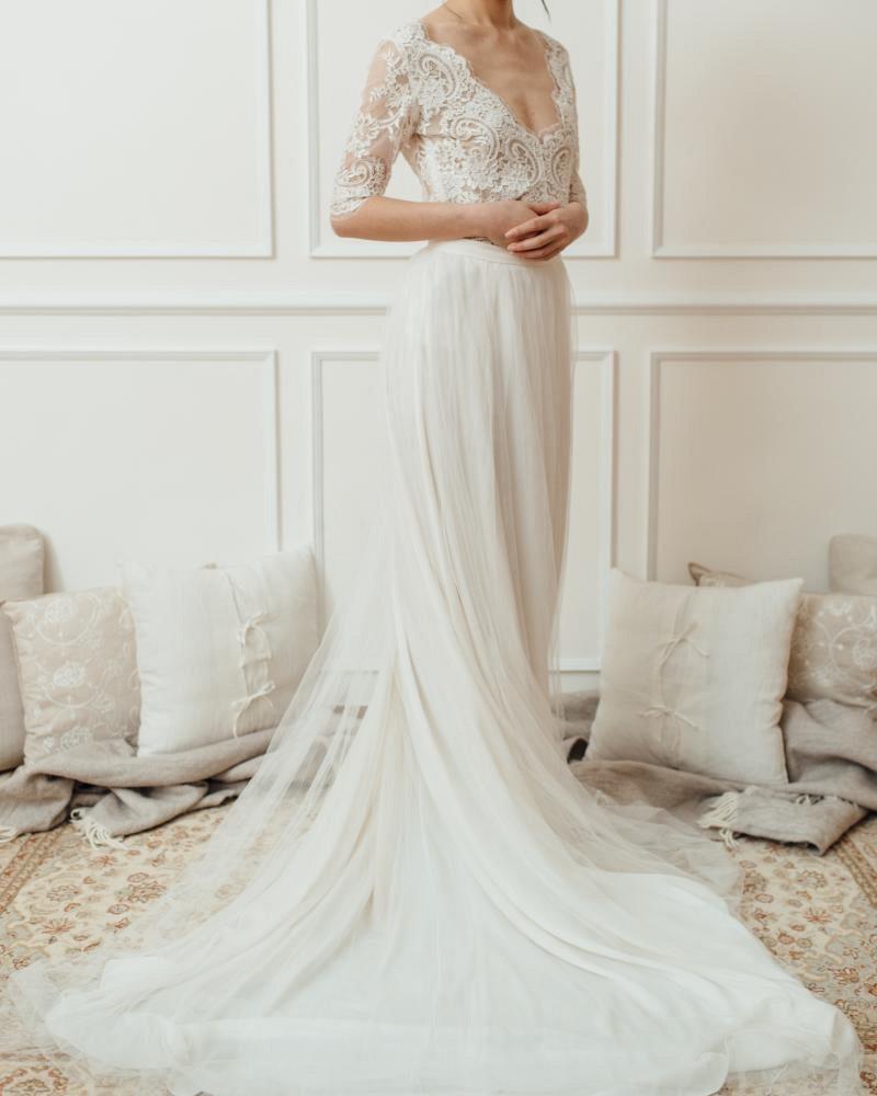 10 long sleeve bridal gowns we love   Wedding Sparrow