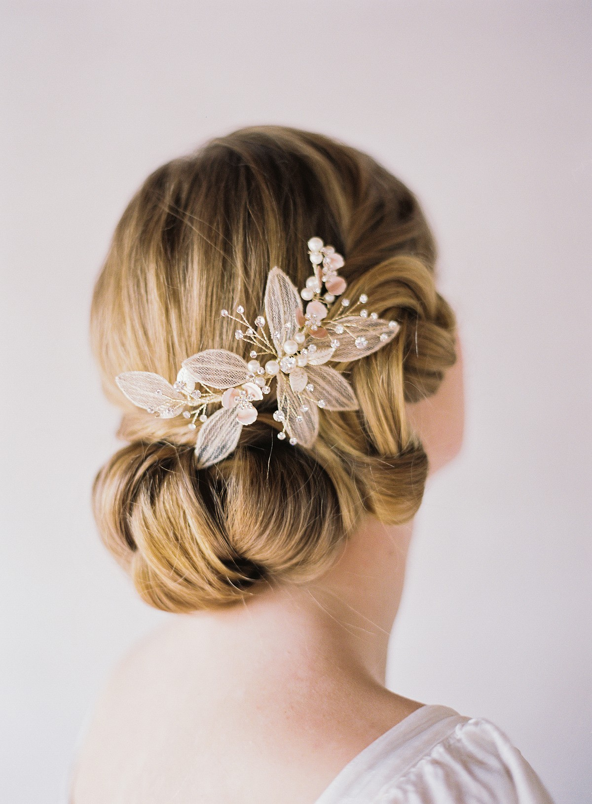 Bridal Hair & Make Up Ideas for the Fine Art Bride