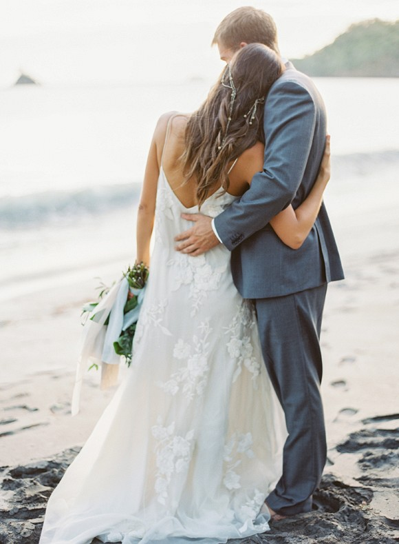 Costa Rican Wedding Inspiration by Brandi Smyth | Wedding Sparrow | wedding blog