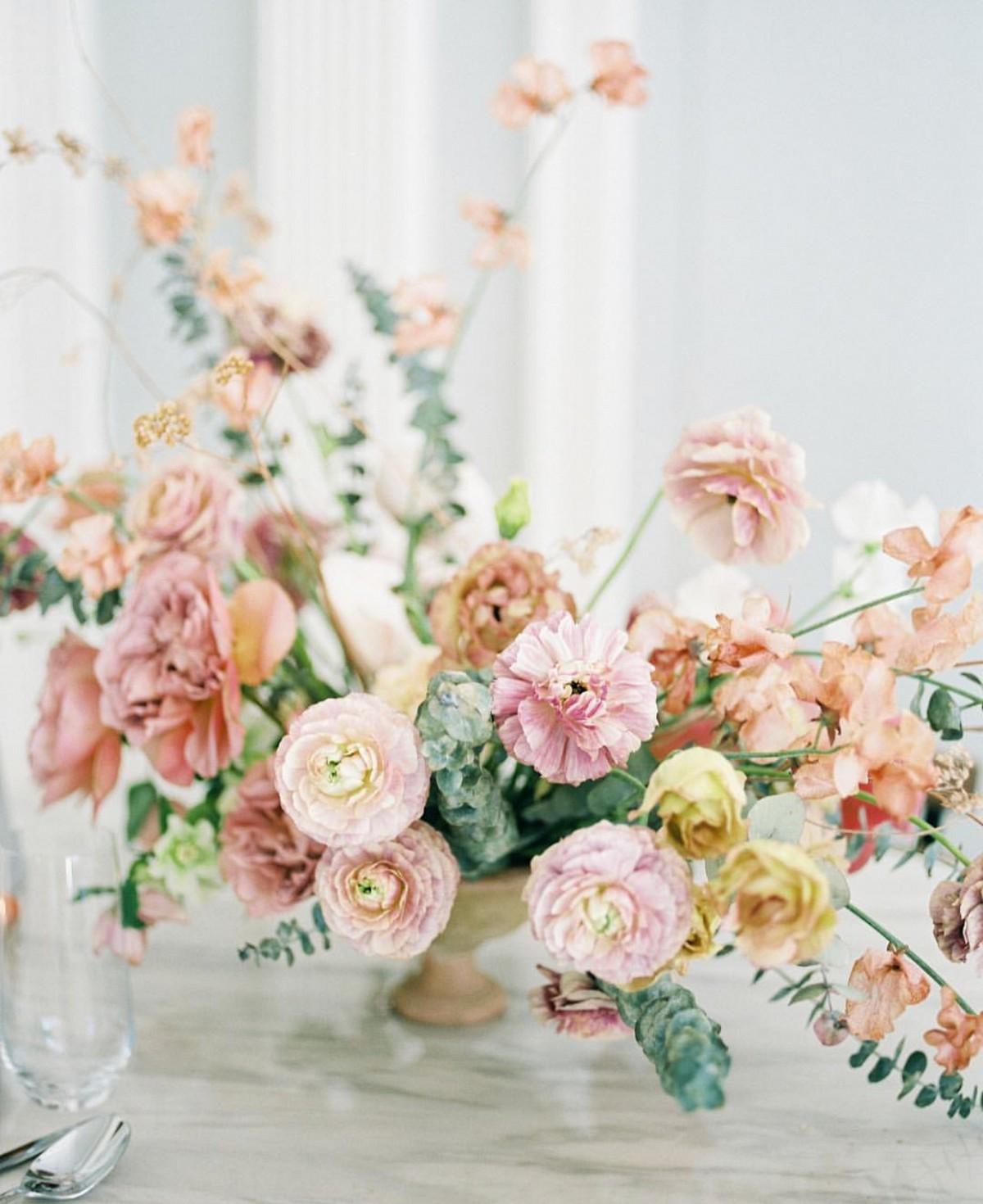 caramel floral tones