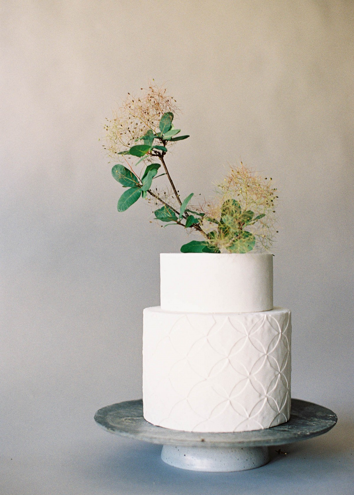Organic and simple wedding cake inspiration photographed by Jen Huang Photography