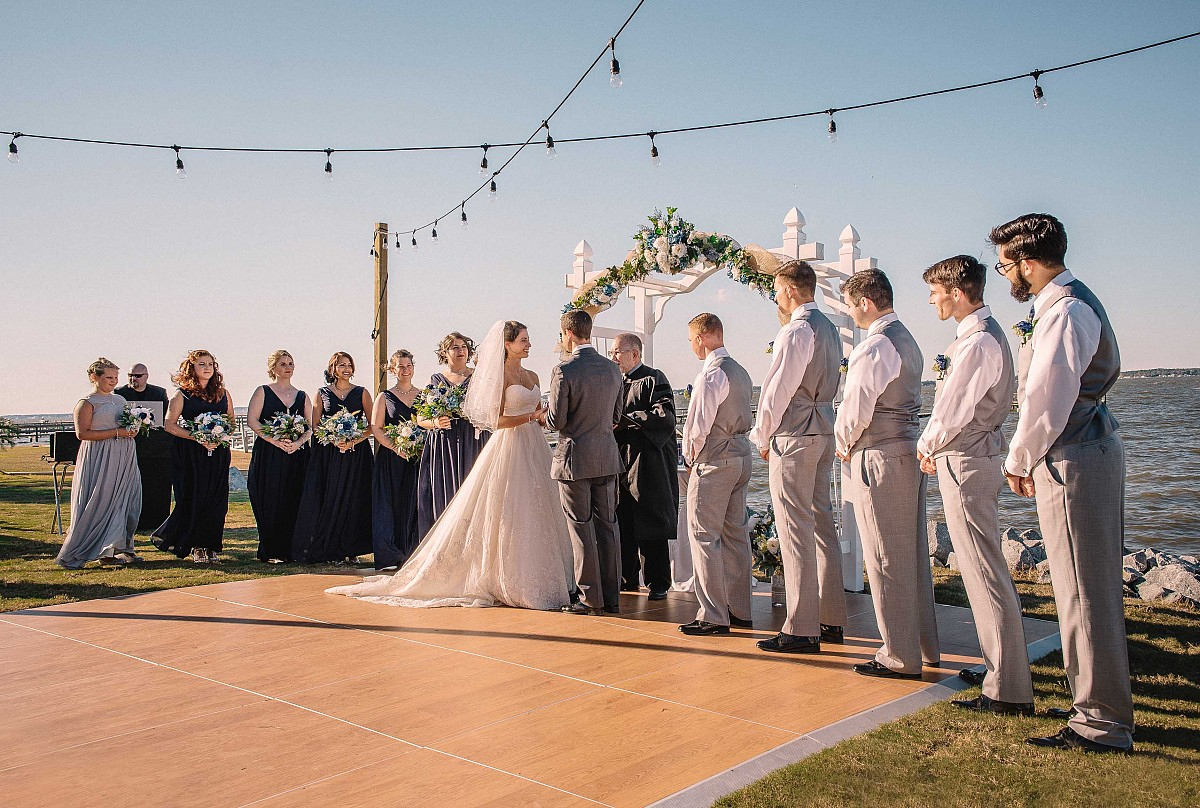 A Sweet Romance - Crystal Coast Wedding in North Carolina