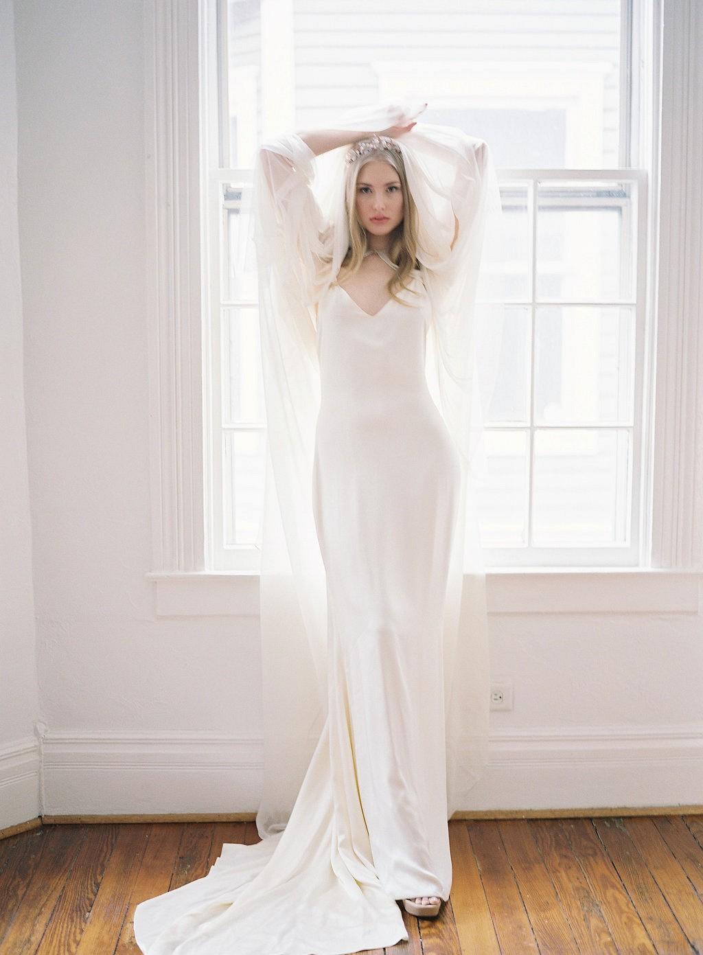 Choosing Your Wedding Dress Accessories