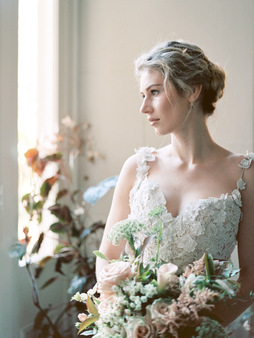 Winter Wedding Style for the Romantic Bride
