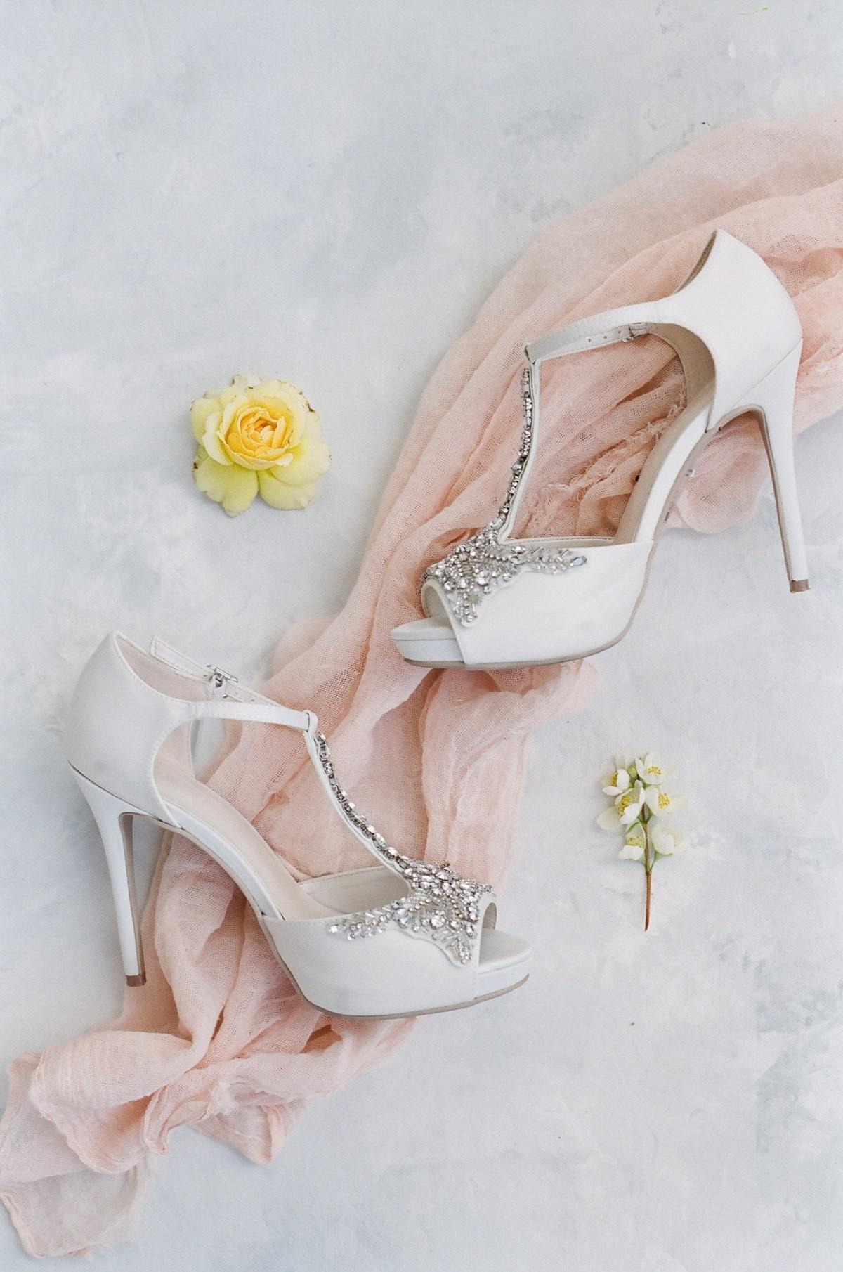 Classic California Wedding with Lilac Bridesmaids Dresses