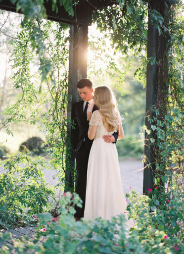 Delicate and Ethereal Bridal Style in a Late Summer Wedding