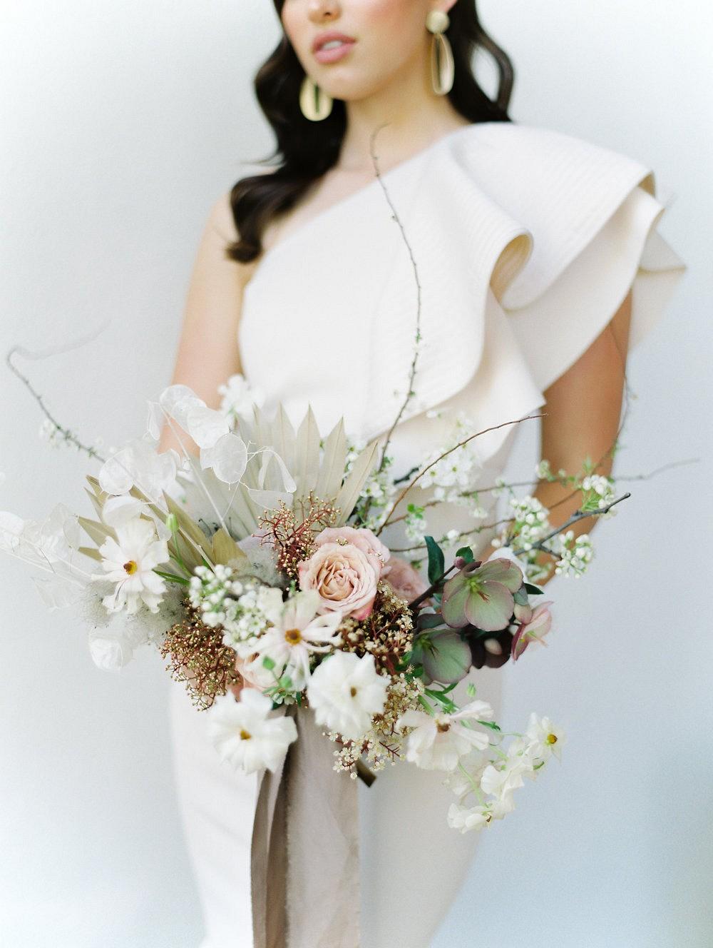 Modern & Minimalist wedding ideas for the fine art bride