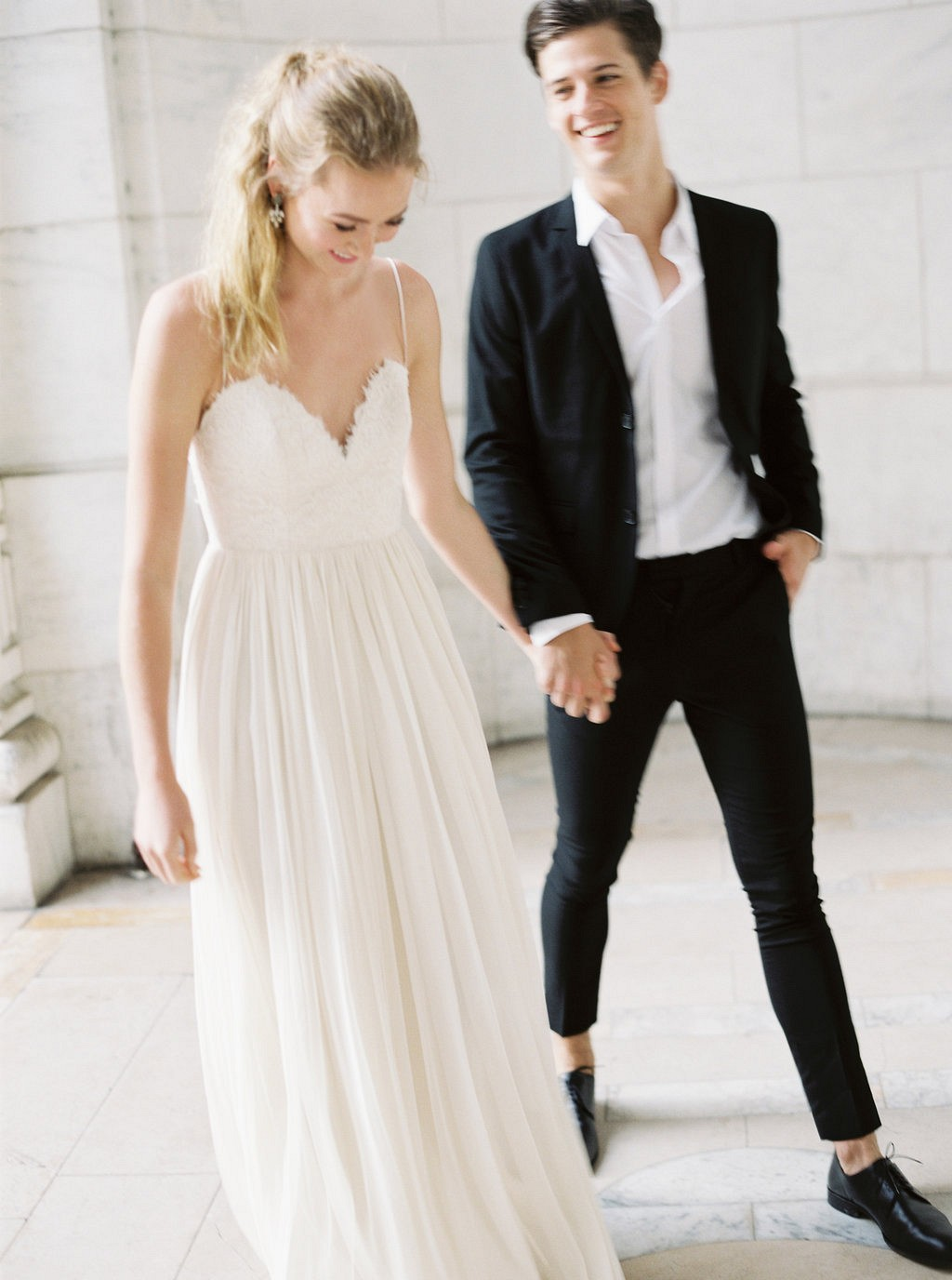 Intimate New York Public Library Elopement | Wedding Sparrow fine art wedding blog