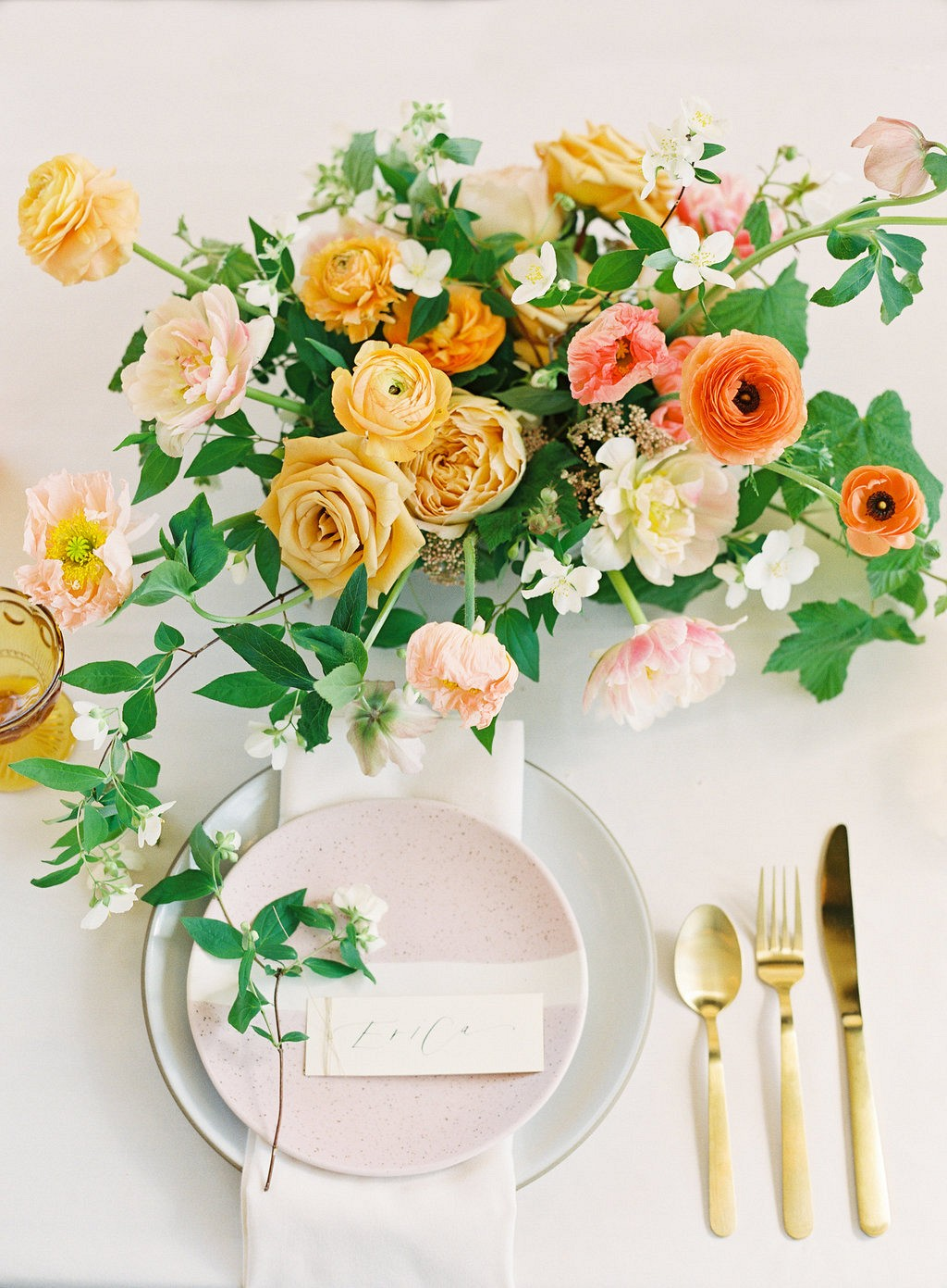 Colorful and Modern City Wedding Inspiration