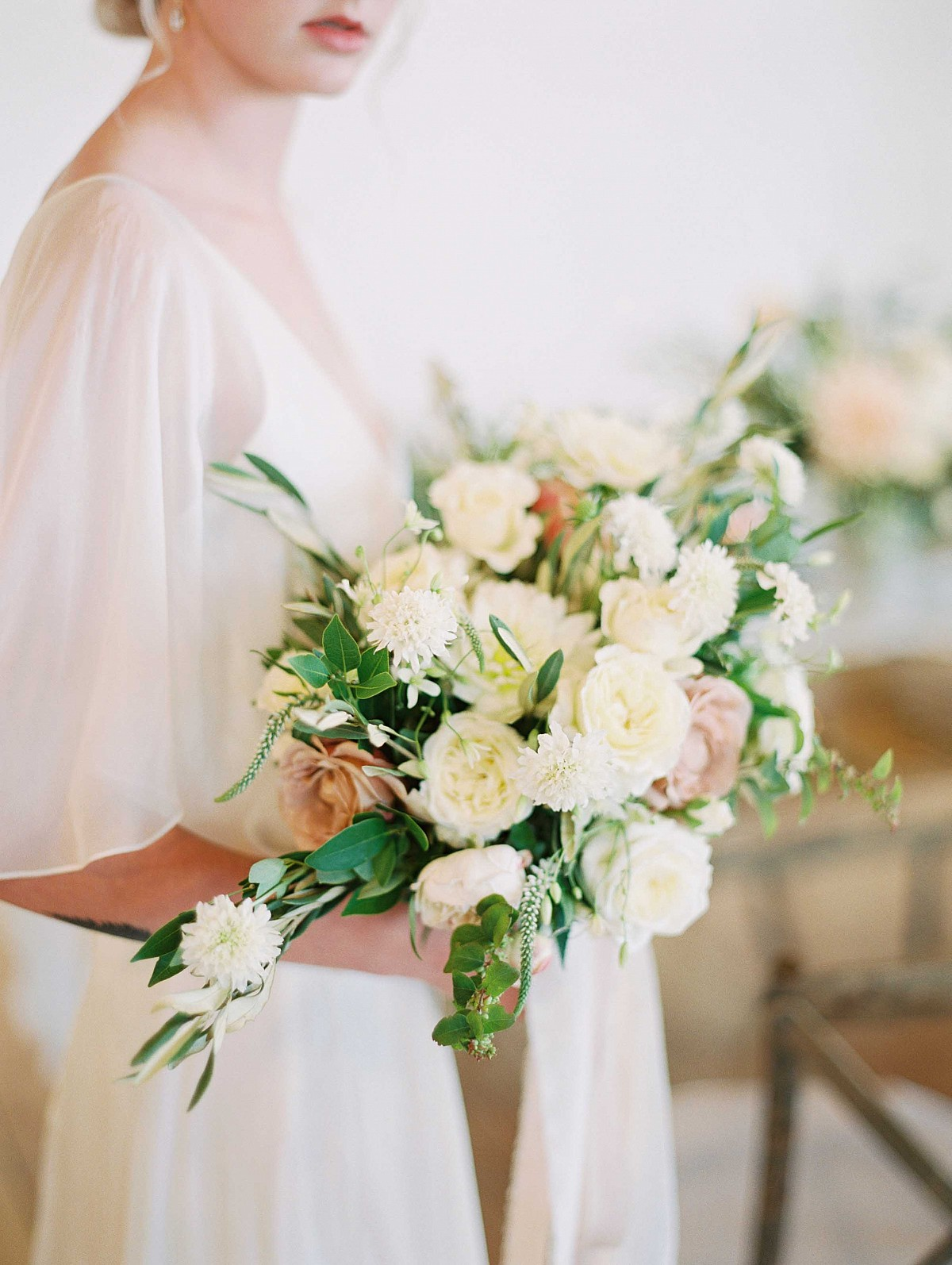 White and Rose Indoor Wedding Ideas