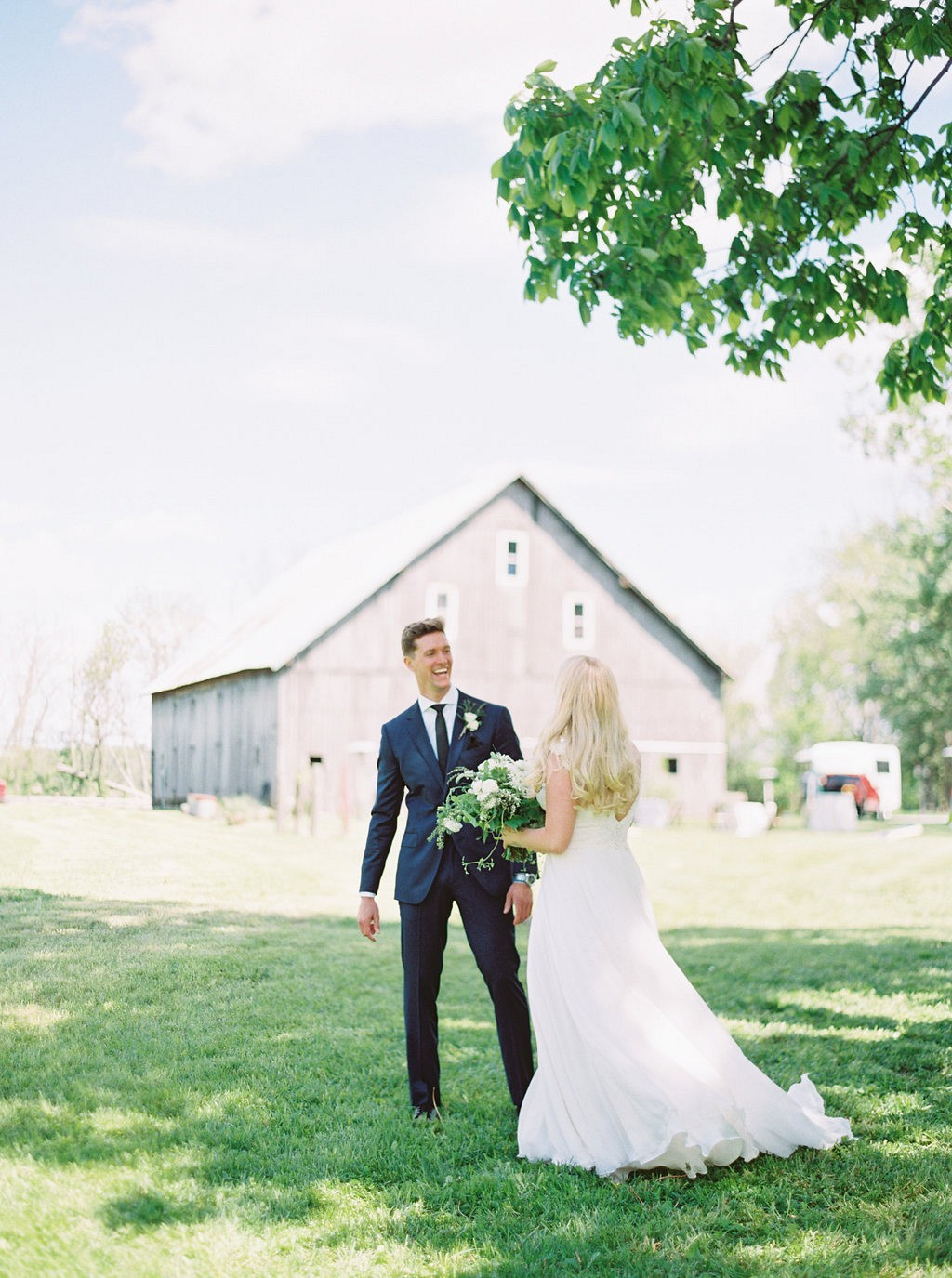 First look | Heartfelt and Nostalgic Indiana Barn Wedding by Renee Lemaire | Wedding Sparrow fine art wedding blog