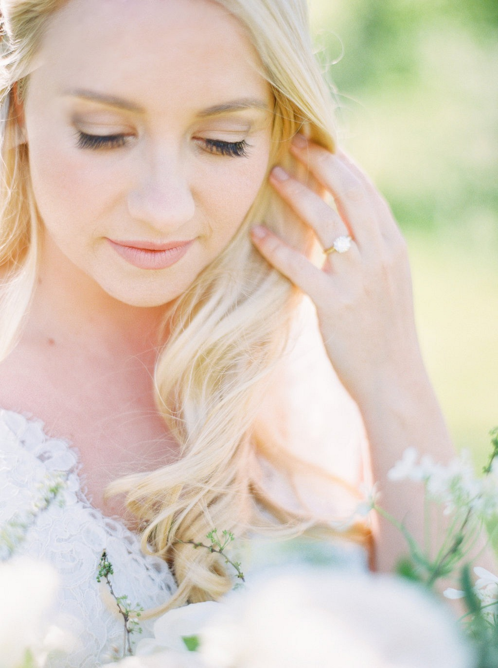 Beautiful bridal portrait | Heartfelt and Nostalgic Indiana Barn Wedding by Renee Lemaire | Wedding Sparrow fine art wedding blog