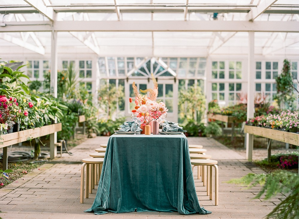 Bright Garden Wedding Ideas for a Summer Bride