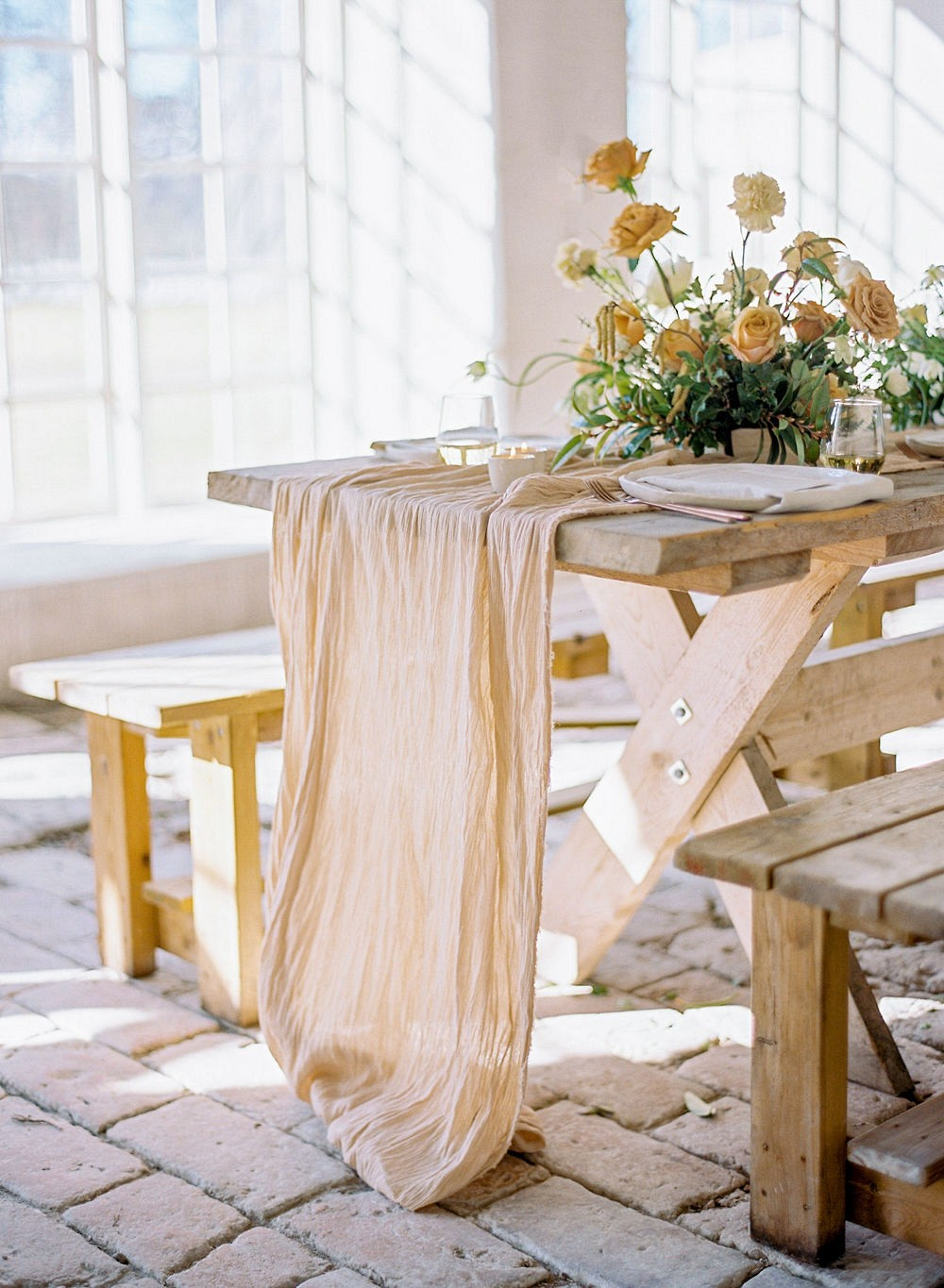 Scandi Style Brunch Wedding with Gold Florals