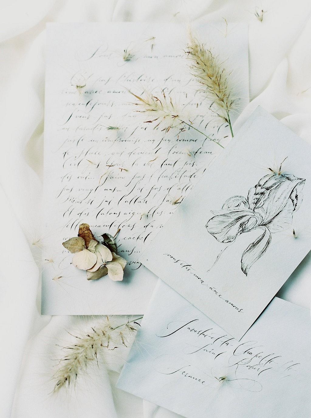 Stunning Neutral Fall Wedding Inspiration with a Dahlia Bouquet