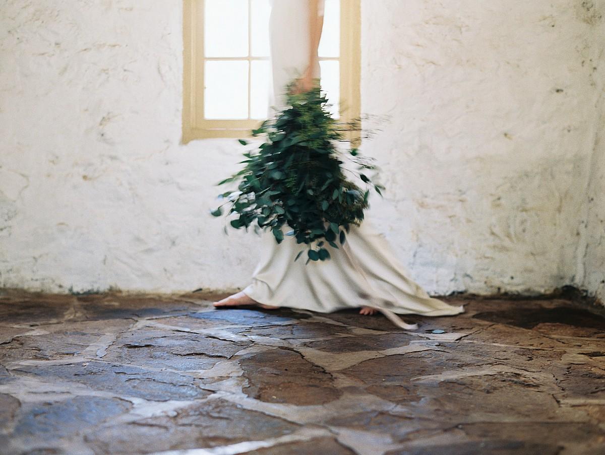 Dramatic and Elegant Wedding Look