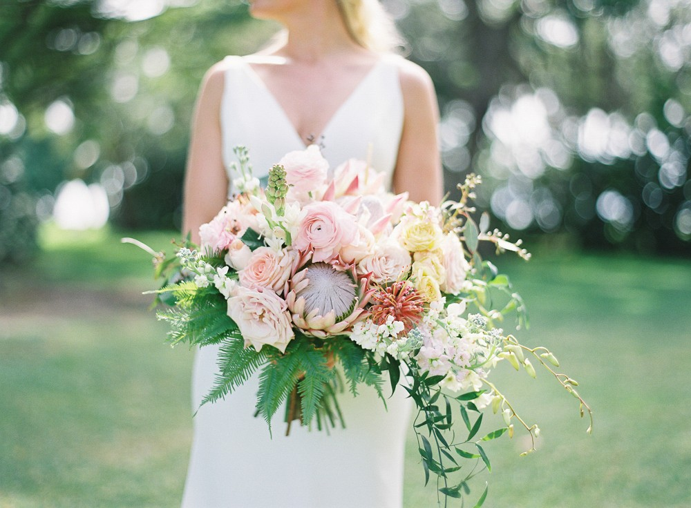 ​Effortlessly Elegant, Modern Tropical Wedding in Hawaii
