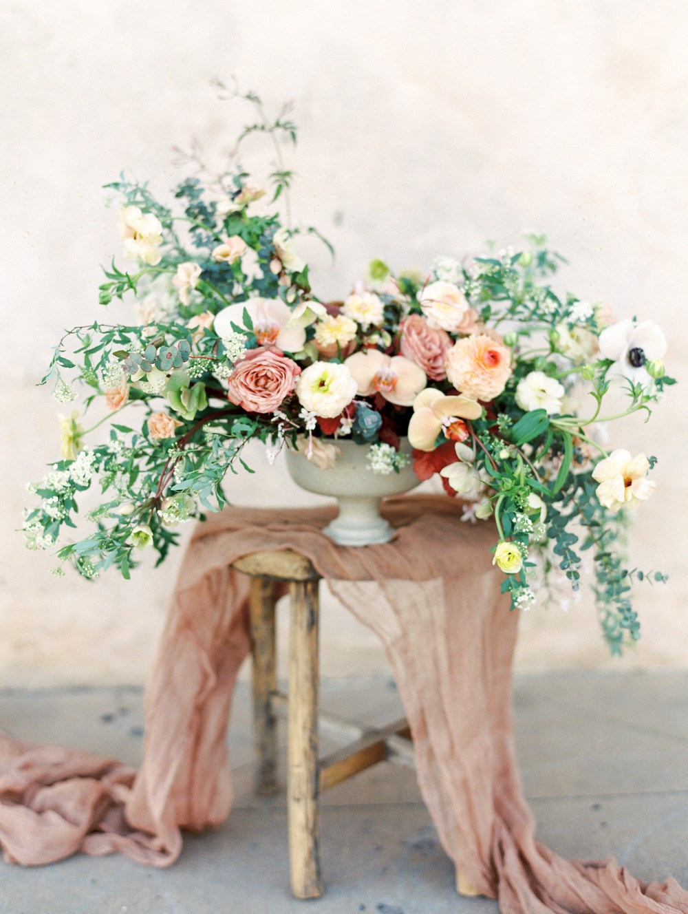 Black Tie Wedding Style with Autumnal Florals