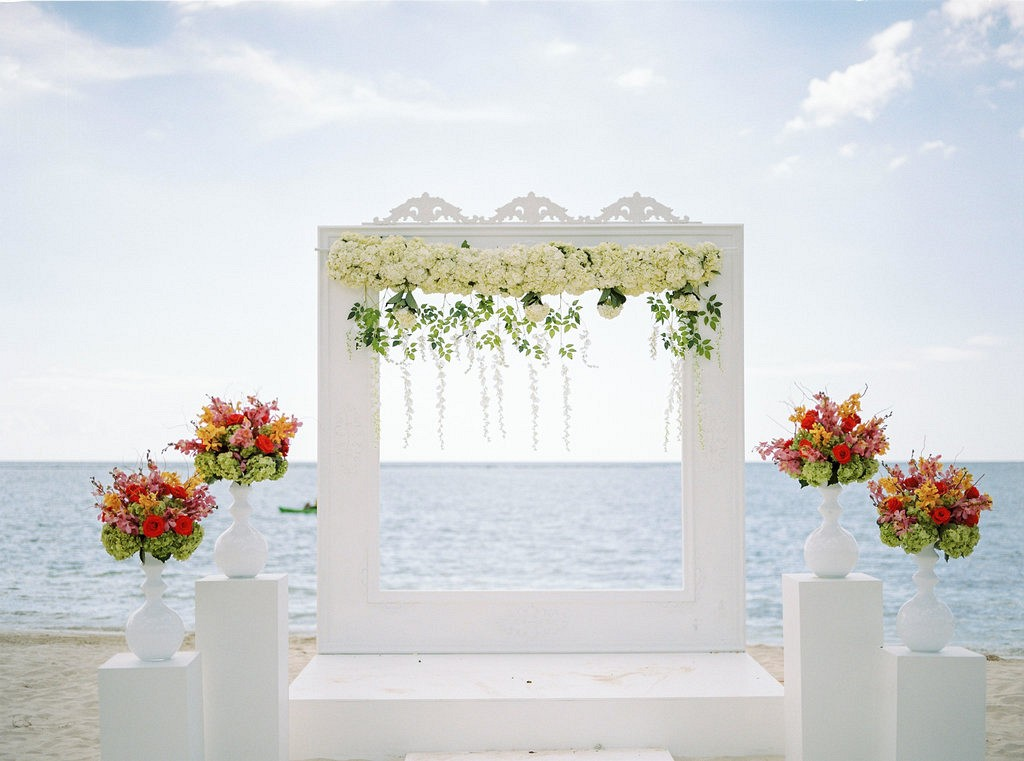 Get married in Jamaica with Sandals Resorts