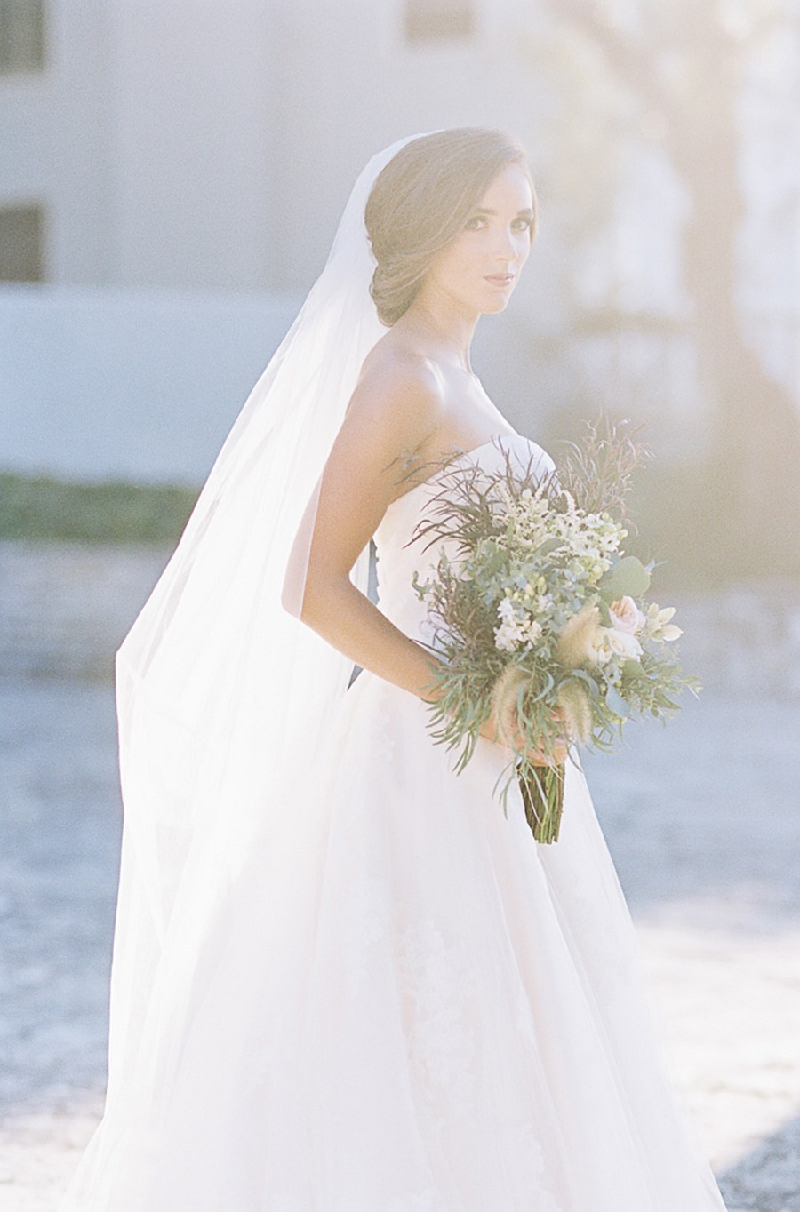 Unassuming Bride with Nature Inspired Details
