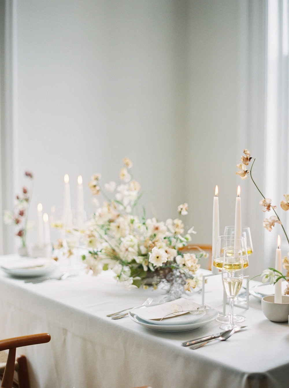 Contemporary Scandi wedding inspiration