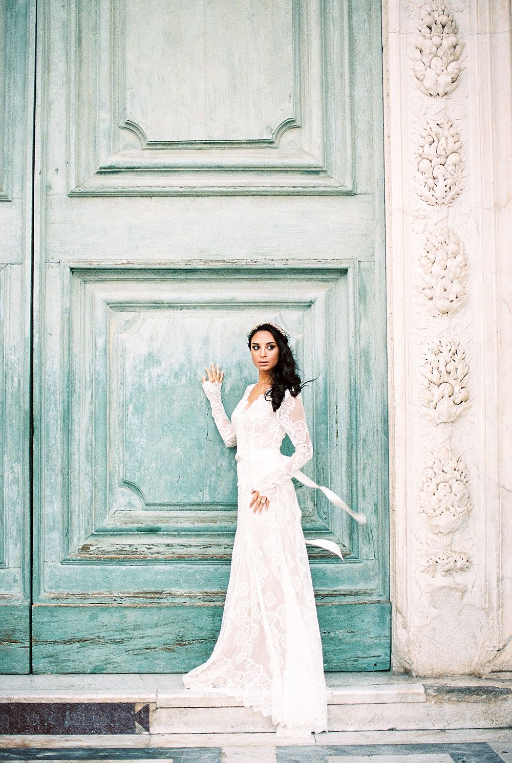 Italian Gilded Wedding Inspiration by Kylee Yee Photography in Florence