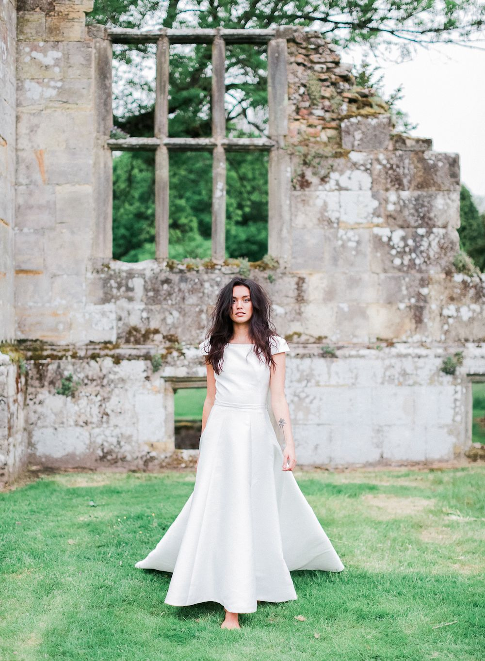 English Ruins Bridal Style- eclectic surrey fine art wedding make up and hair