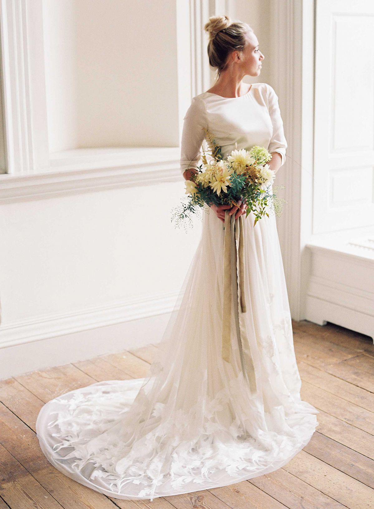 Simple Fall/Winter Wedding Gowns by Taylor and Porter Photography ...