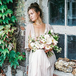 English Countryside Cottage and Foraged Florals
