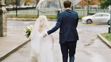 Informal Toronto City Wedding on a Rainy Day