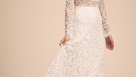 8 Romantic Long sleeve Bridal Gowns we Love