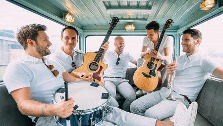 Sophisticated Wedding Entertainment - ALR Music