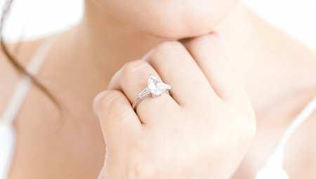 Everything You Need To Know About Choosing Your Engagement Ring Yourself