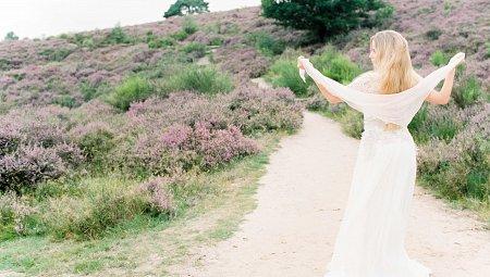 Feminine Blush Outdoor Bridal Inspiration