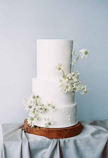 Minimalist Wedding Inspiration in tones of blush, ivory, and grey