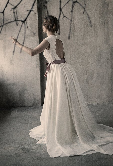 Milk Shade open back Wedding Dress
