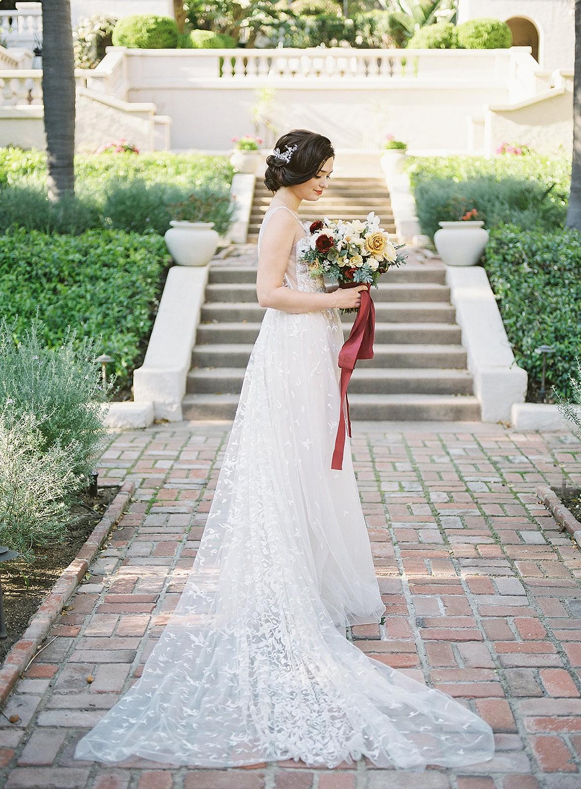 Autumnal Old Hollywood Wedding Ideas