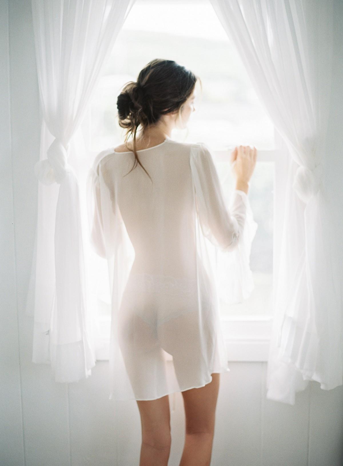 Elegant boudoir for the fine art bride