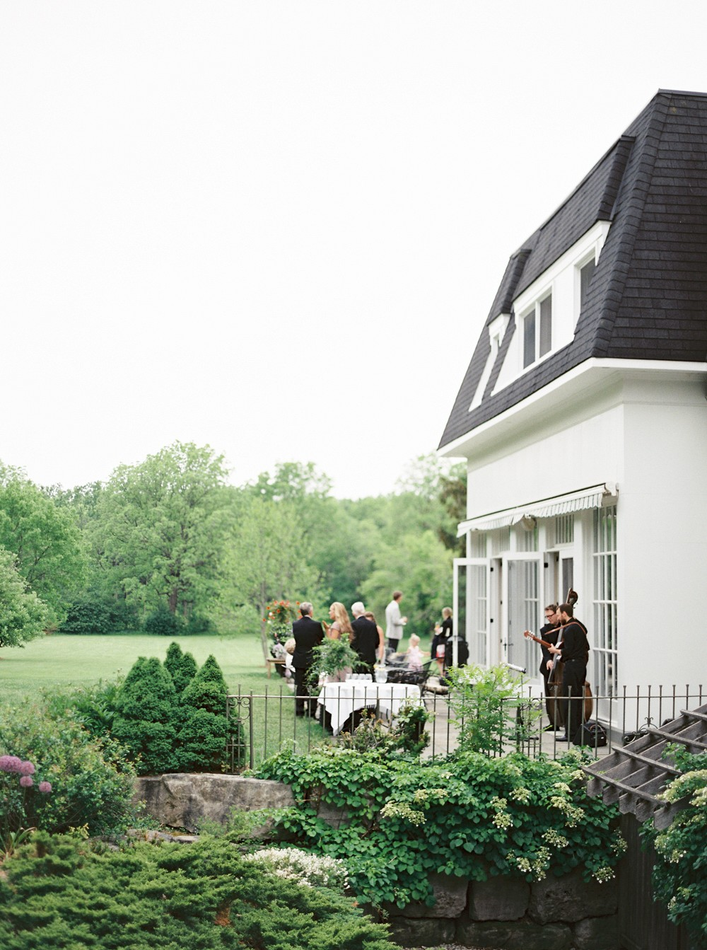 Ontario wedding venue   Sophisticated Real Wedding in Ontario by When He Found Her on Wedding Sparrow