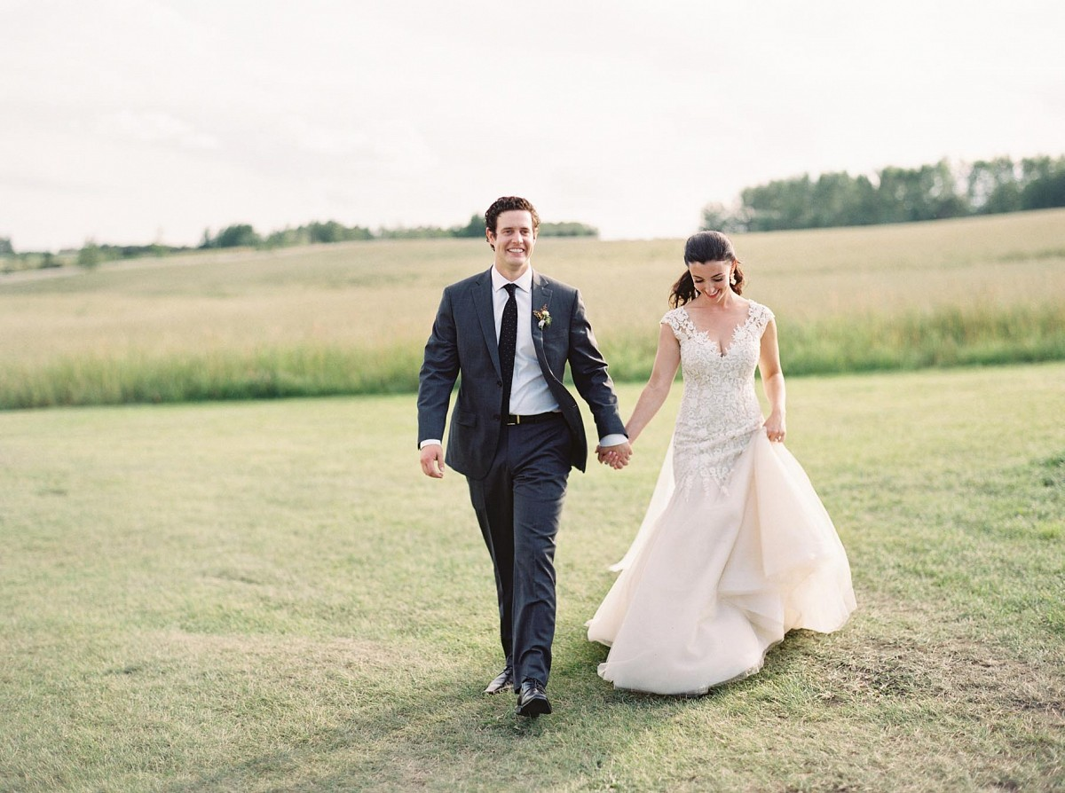 Nicole and Andrew's Stylish Outdoor Ranch Wedding