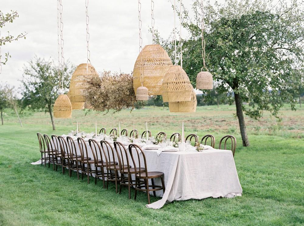 5 Ways to Create Statement Florals on Your Wedding Day